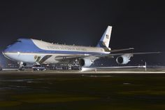 Pics Photos Air Force One Wallpaper Wallpapertube Us Air Force, Air Force Ones, First Plane, Boeing 747 400, Aircraft Pictures, Military Aircraft, Cool Photos, Aviation, Usa