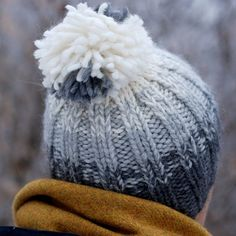 Turn yarn leftovers into gradient pom pom beanie. Free knitting pattern, thanks so for share xox