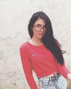 Sofia Andres Filipina Actress, Flattering Outfits, Girls With Glasses, Bikini Models, Pretty Woman, Photo Ideas, Fangirl, Random Stuff, Pose