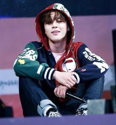 Image about kpop in Park Jimin - BTS by Trang Thu Đào Bts Jimin, Bts Bangtan Boy, Bts Boys, Park Ji Min, Busan, Foto Bts, Bts Photo, Yoonmin, K Pop