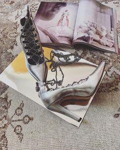 """@ladykallisti on Instagram: """"[Silver⛓] #vogue #voguegreece #ancientgreece #sculptures #ancientgreekart #silvereffect #madeinitaly #italianfashion #silveraesthetics…"""" Ancient Greek Art, Ancient Greece, Italian Fashion, Sculptures, Vogue, Italy, Silver, Instagram, Italia"""