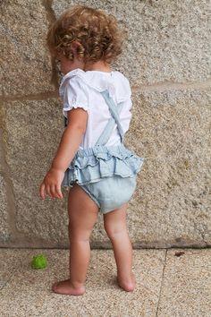 Tocoto Vintage y Fundas Mil en Raya. Chloe Fashion, Baby Girl Fashion, Toddler Fashion, Kids Fashion, Les Enfants Sages, Tocoto Vintage, Cute Funny Babies, Little Fashion, Baby Kids Clothes