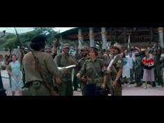 """A 26 de Novembro de 1956, Fidel Castro parte para Cuba com oitenta rebeldes. Um deles é """"Che"""" Guevara, um médico argentino que partilha com Fidel um objectivo – derrubar a ditadura corrupta de Fulgêncio Batista. Che torna-se uma força indispensável e rapidamente aprende a arte da guerrilha. À medida que segue para a frente de combate, Che é adoptado pelos seus camaradas e pelo povo cubano."""