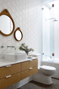 Tiny house bathroom - Looking for small bathroom ideas? Take a look at our pick of the best small bathroom design ideas to inspire you before you start redecorating. Mid Century Modern Bathroom, Modern Bathroom Tile, Bathroom Wall, Bathroom Interior, Modern Bathrooms, Bathroom Ideas, Bathroom Vanities, Small Bathrooms, Bathroom Designs