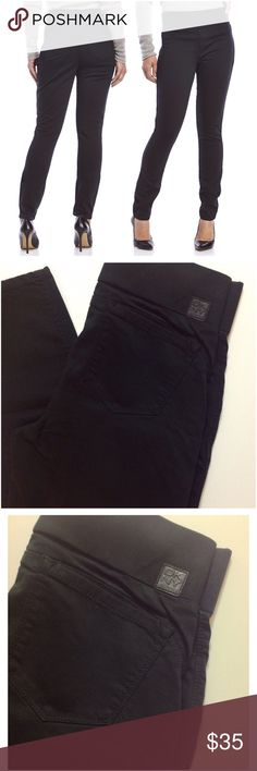"""DKNY Sculpted Jeans Leggings Black DKNY Slim-fit legging jean. Pull-on design. Featuring five-pocket construction, black, waist 17"""" flat, length from waist 39"""", inseam 29"""" NWOT- never worn. No trades. Reasonable offers welcome. DKNY Jeans Skinny"""