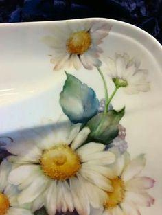 China Clay, China Art, Painting Patterns, Fabric Painting, China Porcelain, Painted Porcelain, Hand Painted, Vintage Dishware, Daisy