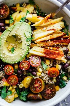 This Chili Mango Zesty Quinoa Salad is gluten free vegan and perfect for hot summer weather! Make this in 30 minutes or less This Chili Mango Zesty Quinoa Salad is gluten free vegan and perfect for hot summer weather! Make this in 30 minutes or less Healthy Salad Recipes, Whole Food Recipes, Vegetarian Recipes, Cooking Recipes, Vegan Vegetarian, Paleo, Keto, Juice Recipes, Vegan Chili