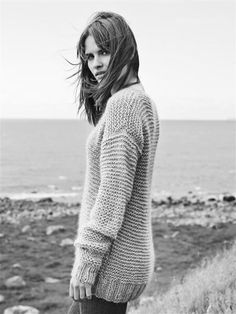 girls in sweaters and other awesome pics : Photo