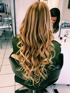 Hair Makeup, Make Up, Hairstyle, Long Hair Styles, Beauty, Hair Job, Hair Style, Hair Styles, Long Hair Hairdos