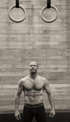 Jason Statham, shows off muscles in new magazine shoot Fight club: Jason revealed that he and Guy Ritchie have practised Brazilian jiu-jitsu together Looks Baskets, Mens Health Uk, Uk Health, Film D'action, Guy Ritchie, Fitness Gym, Bald Men, Sylvester Stallone, Hommes Sexy