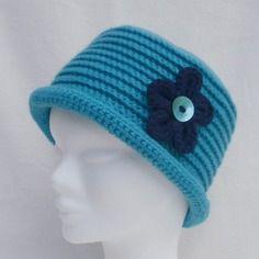 Chapeau hiver fille turquoise fleur marine acrylique et laine