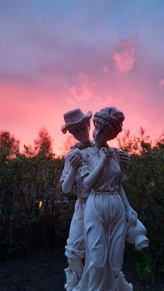 #statue #sunset Garden Sculpture, Statue, Sunset, Outdoor Decor, Art, Art Background, Kunst, Sunsets, Performing Arts