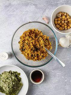 Vegan Tuna Onigiri Recipe | Foodaciously Vegan Japanese Food, Japanese Rice, Japanese Dishes, Iodine Rich Foods, Onigiri Recipe, Tuna Mayo, Vegan Chorizo, Rice Balls, Japan