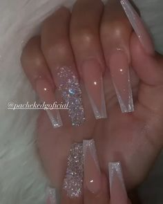 Classy Acrylic Nails, Long Square Acrylic Nails, Acrylic Nails Coffin Short, Coffin Shape Nails, Best Acrylic Nails, Gold Coffin Nails, Long Square Nails, Long Nail Designs Square, White Acrylic Nails With Glitter