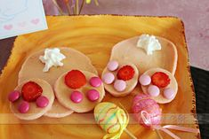 Bunny Butt Pancakes for Easter- too funny!  Free download to go with it too.  :)