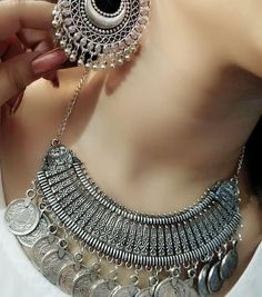 61 Ideas diy jewelry necklace chain collars for 2019 Silver Jewellery Indian, Indian Wedding Jewelry, Silver Jewelry, Silver Ring, Western Jewellery, Silver Earrings, Boho Jewellery, Silver Cuff, Silver Necklaces