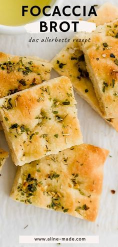 Homemade Focaccia Bread with Herbs, Garlic, and Olive Oil! A simple yet delicious Italian bread recipe for every occasion. Italian Bread Recipes, Herb Recipes, Easy Bread Recipes, Oven Recipes, Vegan Recipes Easy, Baking Recipes, Homemade Focaccia Bread, Focaccia Bread Recipe, Grilled Vegetables