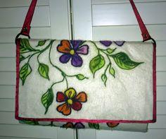 neulahuovutus käsilaukku