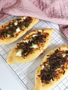 Cheesesteak, Hot Dog Buns, Vegetable Pizza, Food And Drink, Snacks, Dinner, Fruit, Eat, Ethnic Recipes