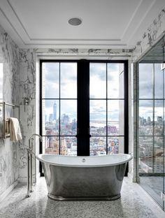 Ecco 20 vasche da bagno con vista per rilassarsi godendo del paesaggio circostante