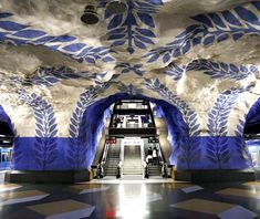 Die U-Bahn Station in Stockholm gehört zu den schönsten auf der Welt.  Nicht nur Stockholms U-Bahn Stationen achten auf die schöne Gestaltung und außergewöhnliches Design. Kährs ist in der Parkettbranche ein Pionier in Sachen Design.