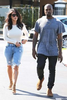 Date time: Kim Kardashian stepped out with husband Kanye West in Calabasas, Los Angeles on Sunday Estilo Kardashian, Kim Kardashian And Kanye, Kardashian Style, Kardashian Photos, Kardashian Kollection, Short Outfits, Summer Outfits, Casual Outfits, Cute Outfits