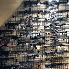 wire-rack-gun-shelf-units-for-armory-room