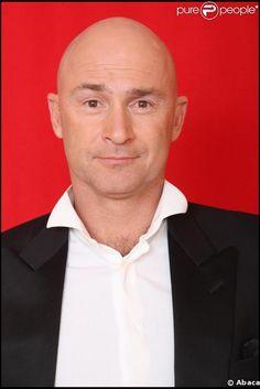 Vincent Lagaf', de son vrai nom Vincent Rouil, né le 30 octobre 1959 à Mont-Saint-Aignan (Seine-Maritime), est un humoriste, chanteur, comédien et animateur de télévision française. Il est connu pour avoir présenté l'émission de télévision Le Bigdil. Depuis l'été 2009, il présente sur TF1 Le Juste Prix, jusqu'en 2011 avec Gérard Vives,