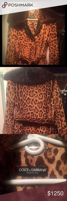"""Dolce & Gabbana velvet leopard overcoat This trench coat is knee-length and has been worn only three times since it's purchase from Neiman Marcus. Although it was on sale, it was purchased for $4,500.00. It is a soft velour on the outside with a fur collar which is removable. It is certainly a statement piece! Please keep in mind that although it is a """"Size 8 US / Size 42 EU"""", I wear a size 4 typically. This trench would be more appropriate for a size 4-6 US. Thank you for looking! Dolce…"""