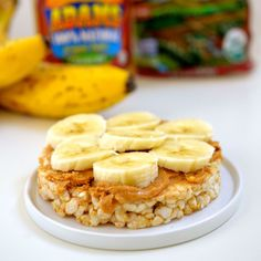 High-protein healthy snack: banana slices, PB, and rice cake