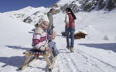 Italia, Alto Adige. La strada del sole, un magico percorso tra mercatini di Natale, elfi, castelli e musei. http://www.familygo.eu/viaggiare_con_i_bambini/alto-adige/vacanze-alto-adige-mercatini-di-natale-elfi-castelli-musei.html