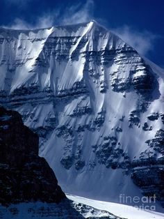 ✮ Mt. Andromeda taken up at the Columbia Icefields in Jasper National Park, Alberta, BC, Canada