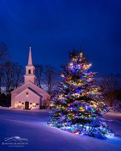 New Hampshire - Michael Blanchette Photography Christmas Scenery, Winter Scenery, Christmas Mood, Noel Christmas, Christmas Images, Outdoor Christmas, Christmas Themes, Christmas Lights, Vintage Christmas