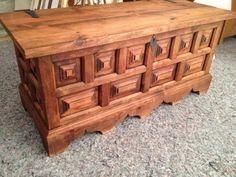 Preview - Holztruhe grundgereinigt & noch unbearbeitet und zum vorbestellen - Lebenstraum Wunderbar  #chest #wood #cleaned #soon #shop #buy #order #vintage #old #untreated #treasure #lebewunderbar #wunderbar #zurich #schweiz #switzerland