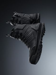 Nike introduces the new LunarTerra Arktos Modular Boot, designed in mind with the harsh weather ahead. Nike senior designer Nate VanHook developed the Mode Shoes, Men's Shoes, Shoe Boots, Dress Shoes, Mens Vans Shoes, Nike Lunar, All Weather Boots, Sneaker Store, Sneaker Magazine