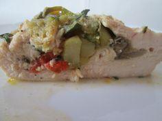 Filet z kurczaka faszerowany warzywami .