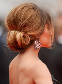 Updo Hairstyles For Short Hair - Rolled Updo