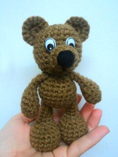 Little Bigfoot Bear (easy pattern)  free pattern on blog. Click picture!