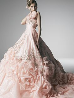 Yumi Katsura wedding dress  //  white &  pearls