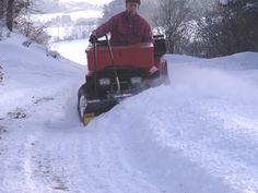 Schnee schieben mit ATV