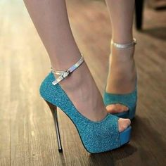 LOVE the color and the sparkle <3