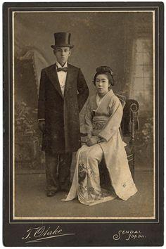 明治時代の結婚式。西欧の影響も見える