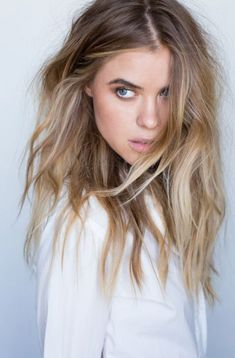 Golden Blonde Balayage for Straight Hair - Honey Blonde Hair Inspiration - The Trending Hairstyle Hair Color Balayage, Ombre Hair, Wavy Hair, Hair Dye, Haircolor, Good Hair Day, Great Hair, Balayage Rubio Natural, Natural Blonde Hair With Highlights