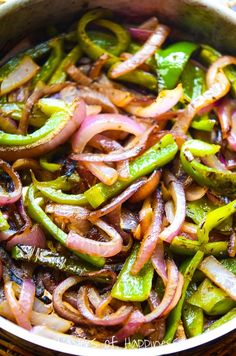Healthy caramelized peppers and onions with an amazing smoky char flavor – just like the pepper and onions you get on your favorite Chipotle Mexican Grill order! Onion Recipes, Veggie Recipes, Mexican Food Recipes, Vegetarian Recipes, Cooking Recipes, Healthy Recipes, Fondue Recipes, Veggie Fajitas, Restaurant