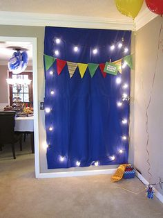 51 Ideas diy christmas lights ideas photo booths You are in the right place about DIY Carnival decorations Here we offer you the most beautiful pictures about the DIY Carnival kids y Carnival Birthday Parties, Circus Birthday, Circus Party, Slumber Parties, First Birthday Parties, Boy Birthday, First Birthdays, Birthday Balloons, Diy Fotokabine