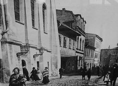 """Tall Synagogue (left), Krakow`s Kazimierz, Jewish Quarter Austro-Hungarian Empire, Krakow, circa 1900 Austro Hungarian, Planet Earth, Historical Photos, Poland, Empire, Forget, Life, Historia, Krakow"