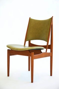 Finn Juhl Egyptian Chair // Niels Vodder. The strong right angles of the back support show a strong Egyptian influence