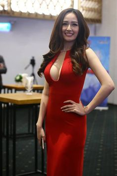 Sexy Outfits, Sexy Dresses, Fashion Dresses, Oriental Fashion, Asian Fashion, Ao Dai, Cute Asian Girls, Mode Hijab, Beauty Full Girl