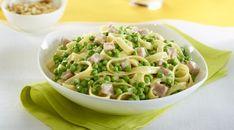 Fettuccini Alfredo with ham and peas Fettucine Alfredo, Valeur Nutritive, Frozen Vegetables, Calories, Ham, Great Recipes, Risotto, Potato Salad