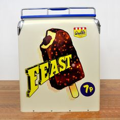 Walls Feast Retro Coolbox Summer Days, Walls, Retro, Retro Illustration
